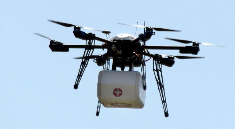 primera-entrega-medicinas-con-drone-1437387954854